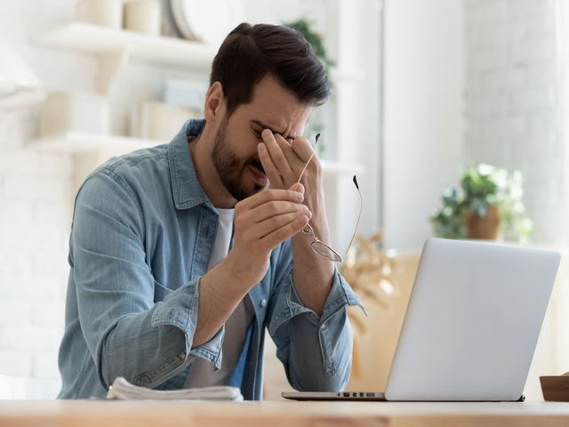 Como combatir el estres laboral