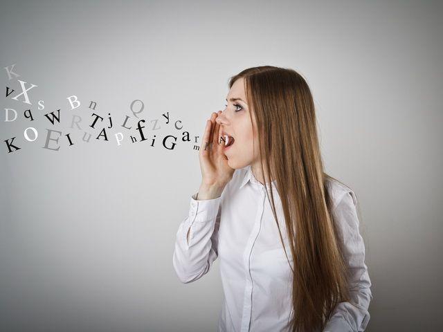 Porque las personas hablan diferentes idiomas
