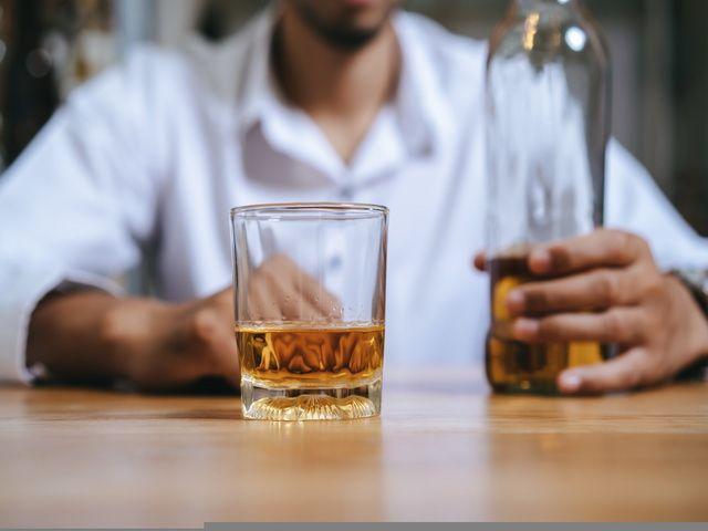 Porque las personas toman alcohol
