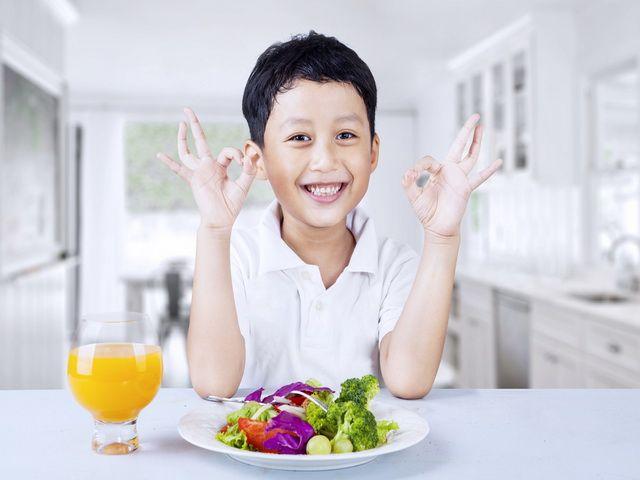 Porque los niños deben alimentarse bien