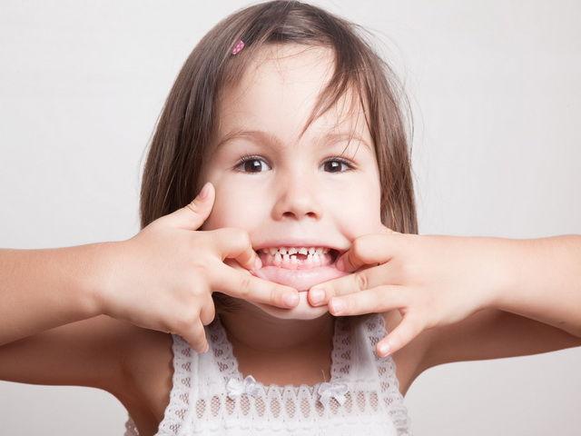 Porque los niños rechinan los dientes