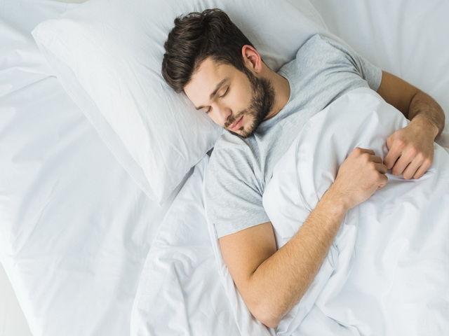 porque las personas hablan cuando están dormidas