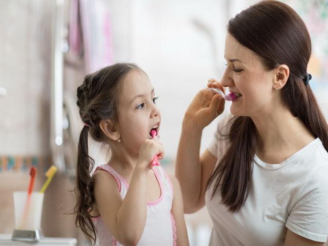 porque mi hija no quiere lavarse los dientes